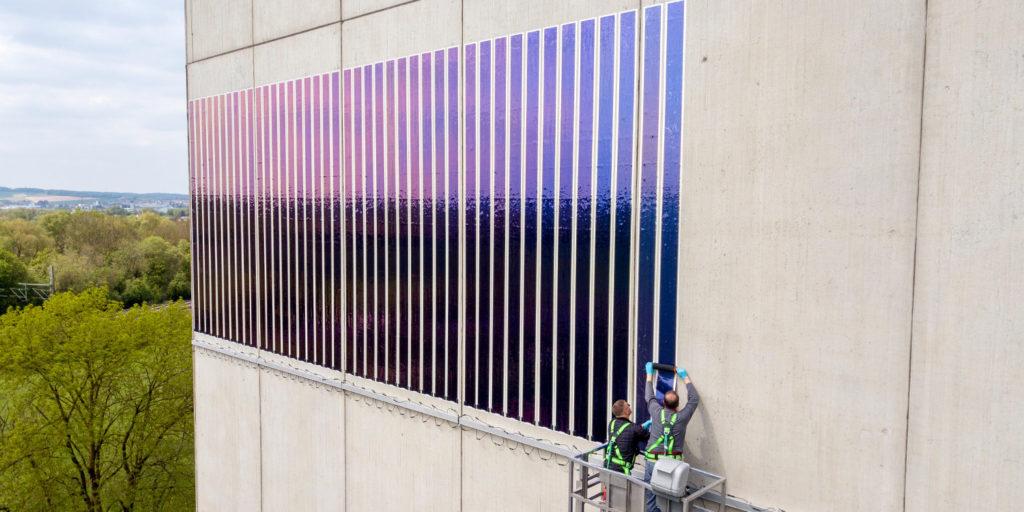 Heliatek совместно с Lechwerke тестируют солнечную плёнку на стене зернохранилища